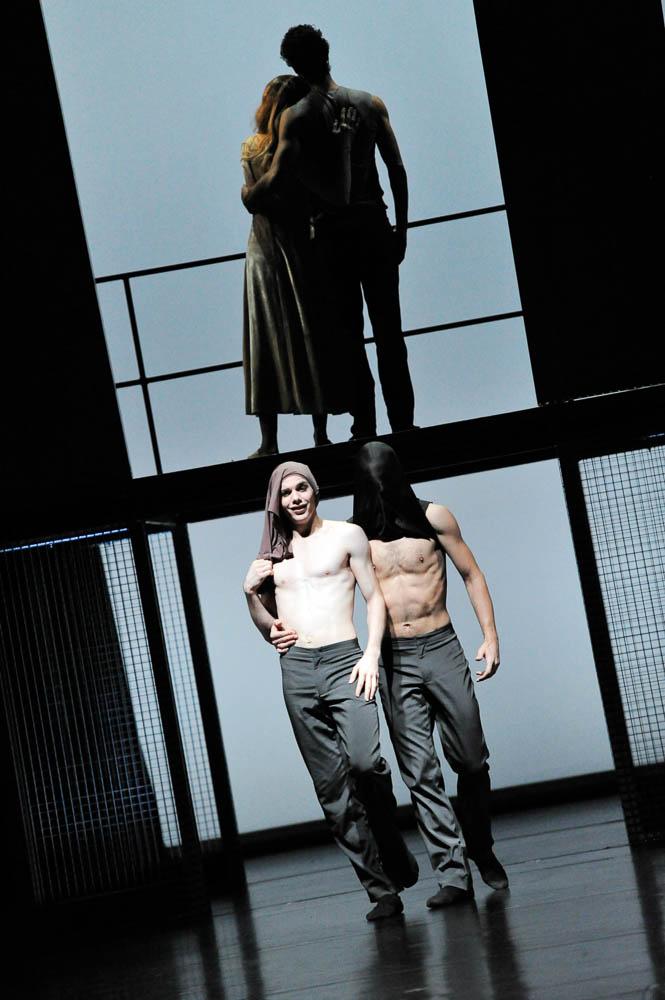 2012 Othello 011