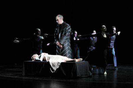 2012 Othello 010